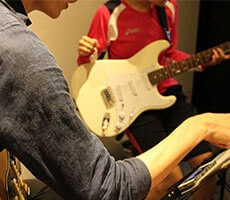 ビギナーギター レッスンの様子1